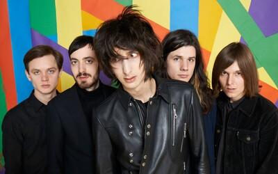 The Horrors prichádzajú s novým, zasneným videom, natočili ho počas koncertu v Londýne