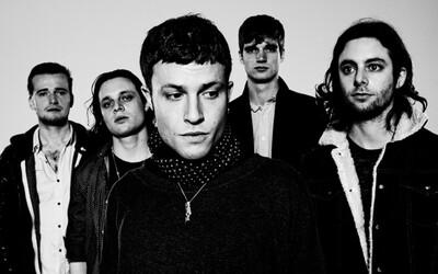 The Maccabees predstavujú prvý singel z albumu Marks To Prove It