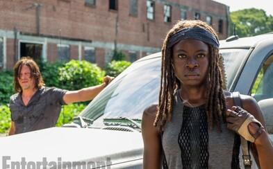The Walking Dead bude kvôli citlivým divákom menej krvavšie a agresívnejšie. Sledujte, čo sa stane s postavami na nových obrázkoch k 7. sérii