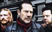 The Walking Dead sa pripomína sériou obrázkov z natáčania. Trailer z Comic-Conu pritom trhol rekordy