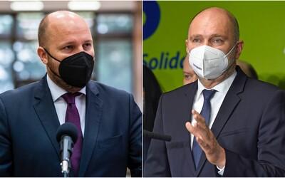 Tichá vláda s fašistami je za hranou, mierime do priepasti, reaguje SaS na ministra Naďa. Ten žiada ospravedlnenie