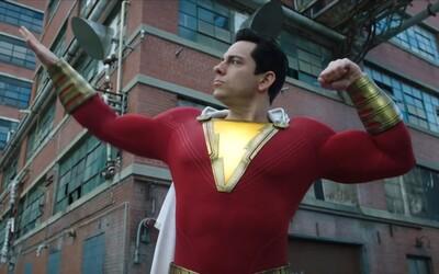 Tínedžer Shazam! testuje v zábavnom traileri svoje superschopnosti a dokazuje, že bude tou najvtipnejšou DC komiksovkou