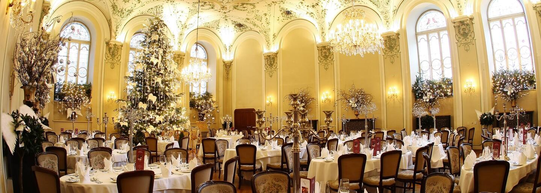 Tisíc let starý hotel nebo Beretta ze středověku. Jaké nejstarší podniky stále fungují už po stovky let?