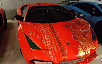 Tokijská garáž plná aut za desítky milionů korun. Pár kousků v ní prý dokonce patří členům legendární Yakuzy