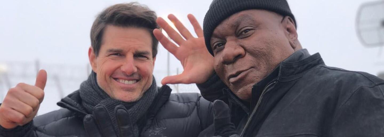 Tom Cruise nezvládol kaskadérsky kúsok počas natáčania Mission: Impossible 6. Údajne má zlomené kosti v členku a snímku vraj čaká odklad