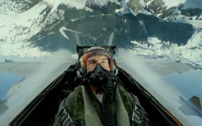 Tom Cruise požadoval, aby sa jeho hereckí kolegovia z Top Gun 2 naučili lietať v stíhačkách
