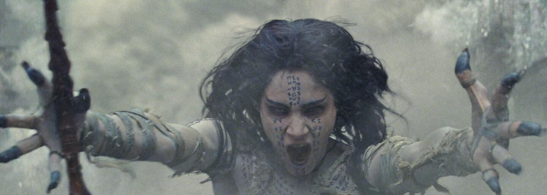 Tom Cruise sa v prvom traileri neľútostnej Múmie vracia do roly najneúnavnejšieho akčného hrdinu Hollywoodu