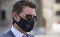 """Tom Cruise zhučal ľudí na pľaci počas natáčania, lebo porušovali opatrenia. Vulgárne im vynadal a vyhrážal sa """"padákom"""""""