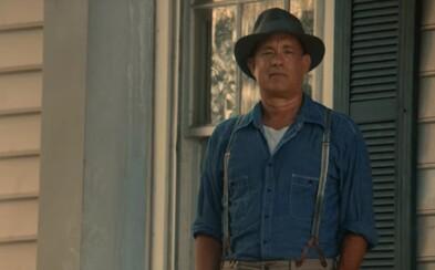 Tom Hanks si zahrá vo vojnovej dráme o hrdinskom chlapcovi, ktorý pre svoje mesto riskuje život