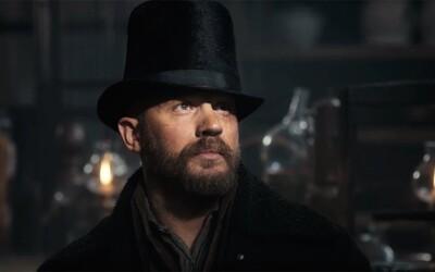 Tom Hardy je v chladnom a špinavom seriáli Taboo bezcitným pomstiteľom ochotným urobiť všetko pre to, aby získal, čo mu právom náleží (Tip na seriál)