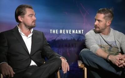 Tom Hardy prehral stávku s DiCapriom a musel si nechať potetovať pravý biceps. Po dvoch rokoch konečne svoju úlohu splnil