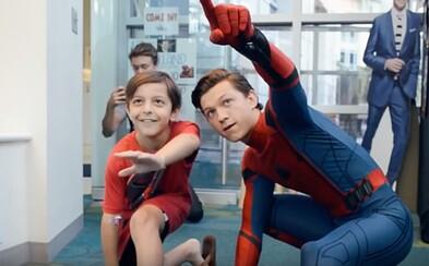 Tom Holland čoby Spider-Man navštívil choré deti v nemocnici