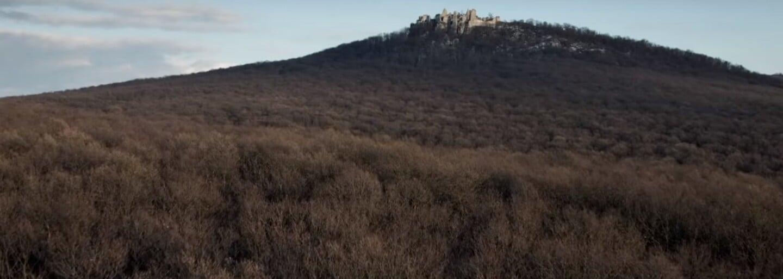 Tomáš Maštalír odhaľuje mysteriózne sily slovenského pohoria v napínavom filme Trhlina