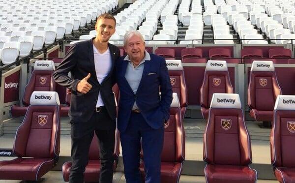 Tomáš Souček podepsal smlouvu s West Hamem United. Stal se nejdražším hráčem, který kdy odešel z české ligy
