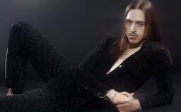Tommy Cash se vrací do Česka. Extravagantní raper se dnes večer představí v Brně