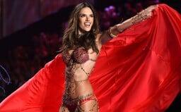 Top 10 fashion momentů supermodelky Alessandry Ambrosio