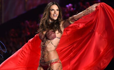 Top 10 fashion momentů supermodelky Alessandry Ambrosio