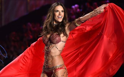 Top 10 fashion momentov supermodelky Alessandry Ambrosio