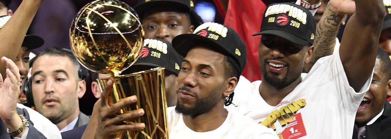Toronto získava historický prvý titul v NBA, Drake definitívne prelomil svoju kliatbu