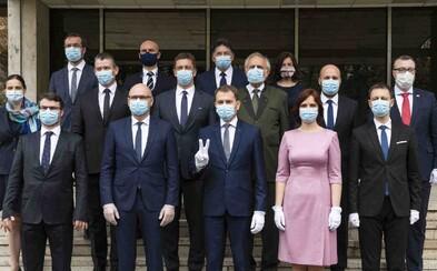 Toto je 42 opatrení novej vlády na boj s koronavírusom: Chcú komerčné testovanie aj zrušenie odvodov na 3 mesiace