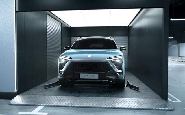 Toto je čínska Tesla. O automobilke NIO budeš počuť čoraz viac, prináša prelomovú výmenu batérií za menej než 3 minúty