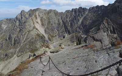 Toto je Orla Perć. Najdrsnejšia túra v celých Vysokých Tatrách je len pre odvážnych a pripravených