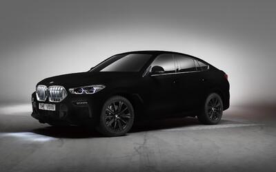 Toto není Photoshop, ale nové BMW X6 v nejčernější černé na světě