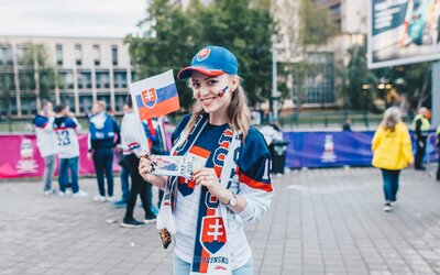 Toto sú fanúšičky našej reprezentácie. Nielen slovenský hokej je na MS 2019 krásny