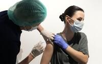 Toto sú nové vedľajšie účinky vakcín od Pfizeru a Moderny. Postihujú najmä mladých mužov