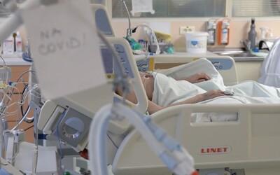 Tragédie ve slovenské nemocnici: Senior s koronavirem vyskočil z balkonu, pád nepřežil