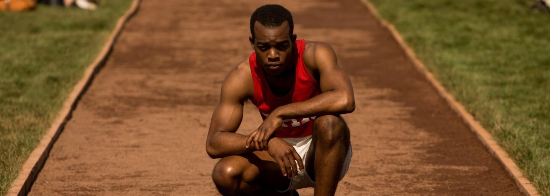 Trailer pre Race nám ukáže, ako sa černoch Jesse Owens na Olympiáde v nacistickom Berlíne postavil útlaku a rasizmu