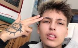 Trans youtuber Majlo: Každý chce vedieť, čo mám medzi nohami. Pochybujem, že by sa tak osobné otázky pýtali aj ľudí na ulici