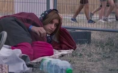 Transport hrôzy výtvarníka Aleša Vojtáška zaparkovaný na Grape poukázal, kam až môže zájsť ľudské zlo