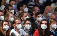 Třetině britských muzikantů hrozí kvůli pandemii konec kariéry