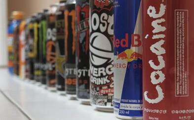 Třináctiletý chlapec na Plzeňsku vypil energy drinky, pak zkolaboval. Museli ho oživovat záchranáři