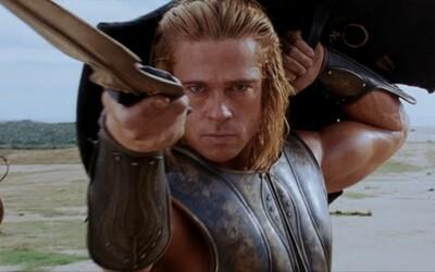 Trója s Bradom Pittom je veľkolepým historickým blockbusterom plným akcie a pôsobivých súbojov