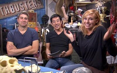Trojica MythBusters sa v plnej paráde vracia v novom projekte z dielne Netflixu