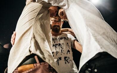 Trojice českých talentovaných umělců IMPRA oslaví 3. narozeniny! Večírek proběhne přímo na prknech divadla a ty můžeš být u toho