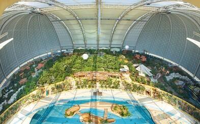 Tropický raj na Zemi nachádzajúci sa v gigantickom hangári pre vzducholode, kde kedysi sídlila nemecká Luftwaffe
