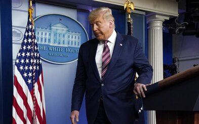 Trump přemýšlí, že by pro své voliče uspořádal mítink na oslavu vítězství. Má je povzbudit