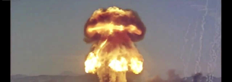 TSAR: Nejničivější bomba světa, jejíž výbuch o síle 60 milionů tun TNT vychýlil zemskou osu