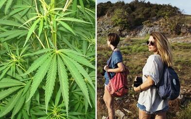 Turisti na najvyššom anglickom vrchu vyfajčili marihuanu a potom nevedeli zísť dole. Na pomoc si zavolali horských záchranárov