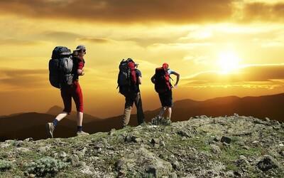 Turisti si roky mysleli, že kráčajú po kameni. Z divne vyzerajúcej skaly sa však vykľula lebka