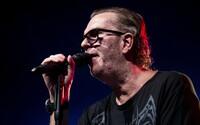 Tvoriť mu pomáhala marihuana, spieval nahý na pódiu, trpí maniodepresiou. Legendárny spevák Richard Müller oslavuje narodeniny