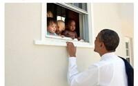Tweet Baracka Obamy se stal nejlajkovanějším v historii. Po událostech v Charlottesville v něm odsoudil rasismus a nenávist