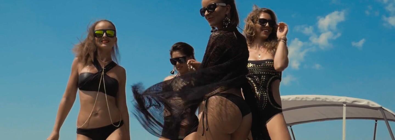 TWiiNSky opäť neváhali predviesť vo videoklipe svoje sexi telá a výsledkom je ďalšia otravná rádiovka