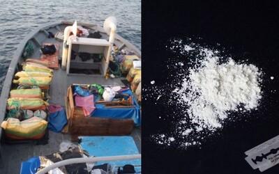 U Austrálie ztroskotala loď plná kokainu za 50 milionů dolarů. Čeká se, kdo ji objeví