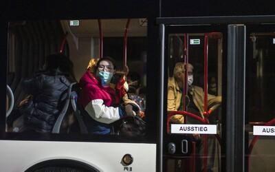 U dvoch Nemcov evakuovaných z Číny potvrdili koronavírus. Nakazených presunuli do karantény