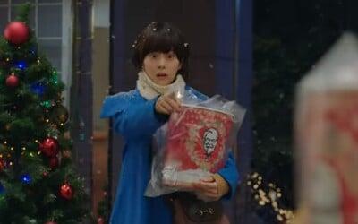 U nás je to kapr a salát. V Japonsku si na Štědrý den kupují fast food se smaženým kuřetem