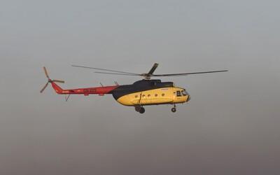 U Prahy došlo k pádu vrtulníku. Dvoučlenná posádka na místě zemřela